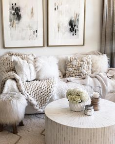 Of all the rooms in your home, a luxury living room acquires greater exposure so here's 20 modern center tables for your home you will love! Decor Inspiration, Living Room Inspiration, Home Living Room, Living Room Decor, Interior Design Degree, Cozy Couch, Family Room Design, My New Room, Interiores Design