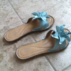 Sonoma blue flower sandals Big blue flower, comfortable on, nice padding. Not my style. Great condition, worn once. Sonoma Shoes Sandals