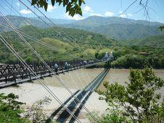 Puente de Occidente - Antioquia - Colombia. Tiene más de 100 años.