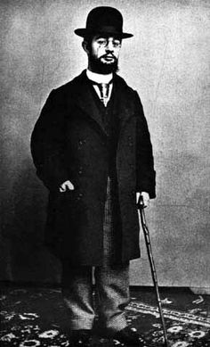 Henri de Toulouse Lautrec One of my favorite artist, A friend of Van Gogh. And this is the guy from the movie Moulin Rouge. Henri De Toulouse Lautrec, Famous Artists, Great Artists, Artist Art, Artist At Work, Post Impressionism, Arte Popular, French Artists, Belle Epoque