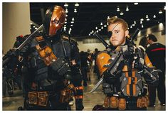 Deathstrokes - Vancouver Fan Expo 2014. Deathstroke Cosplay, Deathstroke The Terminator, Teen Titans Animated Series, Dc Comic Books, Amazing Cosplay, Cosplay Ideas, Vancouver, Masters, Dc Comics