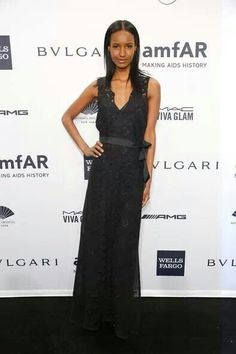 . Fatima Siad, Formal Dresses, Top Models, Tops, Night, Fashion, Dresses For Formal, Moda, Formal Gowns