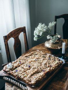 MAISEMAKAHVILAN RAPARPERIPIIRAKKA – Liemessä Dessert Recipes, Desserts, Food Inspiration, Animal Print Rug, Notebook, Drink, Baking, People, Summer