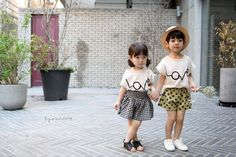 Cute and stylish Tee Stylish Kids Fashion, Summer Outfits, Girl Outfits, Cute Tshirts, Summer Trends, Boy Or Girl, Korea, Girls Dresses, Dressing