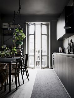 elv's: the tasteful home of Lotta Agaton!