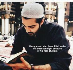 Marry a man who fears Allah so he will treat you right because of his fear of Allah. Muslim Couple Quotes, Muslim Love Quotes, Love In Islam, Beautiful Islamic Quotes, Islamic Inspirational Quotes, Muslim Couples, Allah Quotes, Quran Quotes, Hindi Quotes