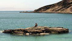 Reserva natural de Paracas, Ica, tiene varias playas como La Mina y Raspón.