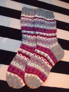 Knitting Socks, Mittens, Villa, Wool, Hats, Diy, Fashion, Tutorials, Knit Socks