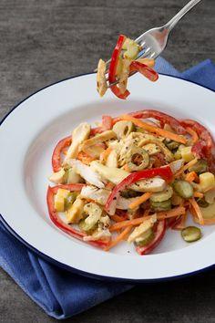 Insalata di pollo saporita: fresca, genuina e colorata! Un piatto ricco di energie, perfetto per una cena tra amici o per la schiscetta! [Best chicken salad]