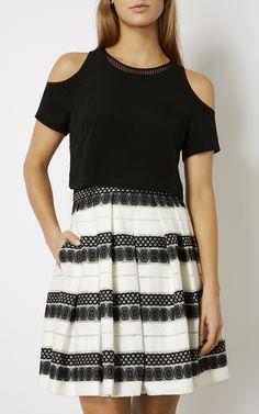 Karen Millen, DEVORÉ STRIPE DRESS Black & White