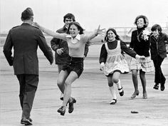 March The Pulitzer Prize-winning photograph Burst of Joy is taken by Sal Vedar. It shows a former US POW being reunited with his family. It came to symbolise the end of US involvement in the Vietnam War. Vietnam Veterans, Vietnam War, After The Fall, Powerful Pictures, North Vietnam, Prisoners Of War, Us Marines, Life Pictures, Family Pictures