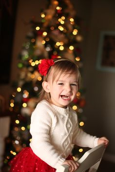 How to Take Photos of Your Kids in Front of the Christmas Tree » Scissortail SILK   Becky Thompson