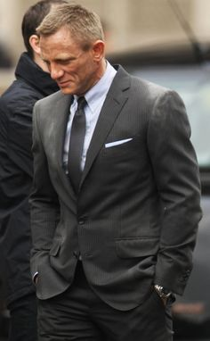Daniel Craig - In love with man , So stylish and sexy !