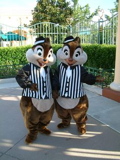 Chip n Dale as Gangsters in Disneyland Paris