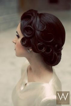I want the pin curls for my wedding hairdo. Finger waves that end in pin curls then half french roll with the ends in curls :) Wedding Hairstyles For Long Hair, Wedding Hair And Makeup, Hair Makeup, Wedding Updo, Bridal Hairstyles, Bridal Updo, Evening Hairstyles, 50s Wedding Hair, Vintage Wedding Hairstyles