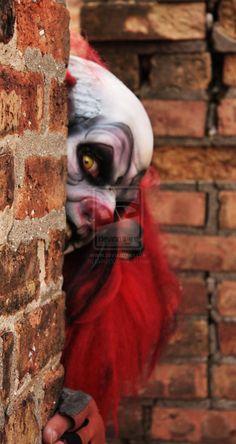 Beyond creepy clown. Freaky Clowns, Evil Clowns, Creepy Art, Types Of Clowns, Halloween Circus, Haunted Circus, Creepy Carnival, Clown Posse, Send In The Clowns