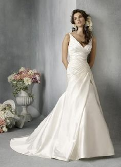 Curvy Inspiration: Plus Size Wedding Gowns Davids Bridal Wedding Gowns, V Neck Wedding Dress, Wedding Attire, Bridal Dresses, Hourglass Wedding Dress, Dress Prom, Prom Dresses, Formal Dresses, Elegant White Dress