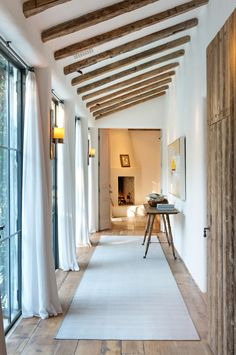 House styles spanish los angeles 24 ideas for 2019 Interior Design Inspiration, Home Decor Inspiration, Modern Hallway, Spanish House, Spanish Style, Los Angeles Homes, Facade House, Toscana, Architecture Details