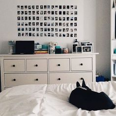 Zimmer Bedroom - Apartment - Should You Get Help With You Diy Room Decor For Teens, Cute Bedroom Ideas, Cute Room Decor, Teen Room Decor, Room Ideas Bedroom, Home Decor Bedroom, Diy Bedroom, Bedroom Inspo, White Wall Bedroom