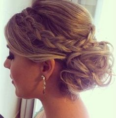 Messy bun with braid, perfect to add detail too~ detailed and elegant look