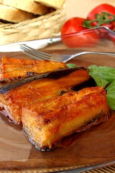 Vinete impanate cu usturoi in farfurie Veggie Recipes, Vegetarian Recipes, Romanian Food, Raw Vegan, Eggplant, Food Inspiration, Lasagna, French Toast, Deserts