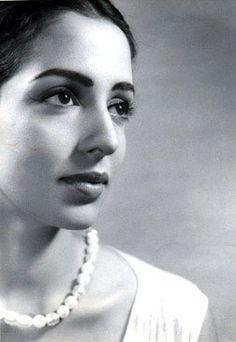 Leela Naidu-I can stare at this face all day long..