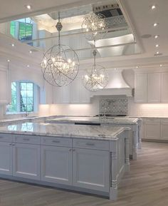 Top 70 Best Kitchen Cabinet Ideas - Unique Cabinetry Designs From traditional to modern, rustic and beyond, discover the top 70 best kitchen cabinet ideas. Explore unique cabinetry designs for your home interior. Dream Home Design, Home Interior Design, Room Interior, Beautiful Kitchens, Cool Kitchens, Luxury Kitchens, Dream Kitchens, Grace Home, Mirror Ceiling