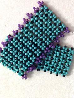 "Seed bead jewelry Video Tutorial: Bracelet- ""Pondo"" Stitch ~ Seed Bead Tutorials Discovred by : Linda Linebaugh Beaded Bracelets Tutorial, Beaded Bracelet Patterns, Seed Bead Bracelets, Seed Bead Jewelry, Jewelry Patterns, Beading Patterns, Beaded Jewelry, Seed Beads, Jewellery"
