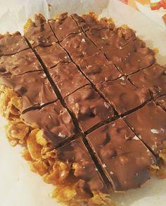 Nydelig Cornflakeskake – Cake before cardio Candy Recipes, Vegan Recipes, Dessert Recipes, Cooking Recipes, Desserts, Cornflakes, Canned Blueberries, Vegan Scones, Scones Ingredients