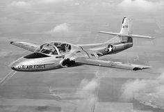 Cessna T-37 Tweet