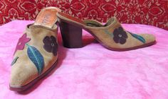 """SAM & LIBBY """"SET ME UPS"""" beige leather suede mules shoes 7M 3 3/4"""" (TF-0DG6) #SamLibby #Mules #AnytimeCasualOccassion"""
