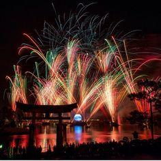 Illuminations! #Epcot #WDW #Disney #WaltDisneyWorld #HappiestPlaceOnEarth #CelebrateADreamComeTrue #CelebrateTheMagic #MyHome #WhereDreamsComeTrue #WishUponAStar