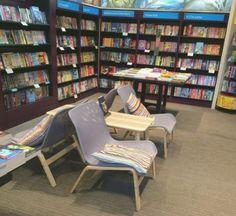 La librairie Waterstones  http://lesptitsmotsdits.com/librairie-waterstones-edimbourg/