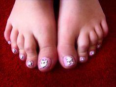 Cute Stars Toe Nail Designs » Nail Designs For You - http://www.naildesignsforyou.com/toe-nail-designs/ #toenails #toenaildesigns #nails #cutenails #cutenaildesigns #nailart #toenailart