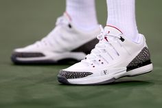 Federer wore this awesome shoe during his US Open 2014 1st round night match - Nike Zoom Vapor 9.5 x Air Jordan III