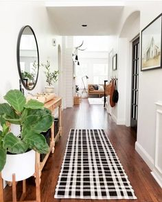 Home design scandinavian deco 61 Ideas Style At Home, Flur Design, Decoration Entree, Uo Home, Hallway Designs, Vestibule, Trendy Home, Cool House Designs, Interior Exterior
