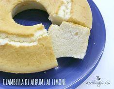 Il ciambellone di albumi al limone è un dolce sofficissimo e leggero, data l'assenza di burro e di latte è perfetto anche per gli intolleranti o per chi vuole concedersi uno sfizio dolce senza esagerare con le calorie