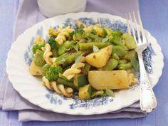 Spirelli mit grüner Gemüsesoße ist ein Rezept mit frischen Zutaten aus der Kategorie Gemüse. Probieren Sie dieses und weitere Rezepte von EAT SMARTER!