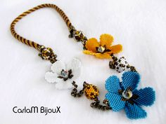 This Pin was discovered by Нат Seed Bead Earrings, Glass Necklace, Flower Necklace, Beaded Earrings, Beaded Jewelry, Jewelry Necklaces, Bead Crafts, Jewelry Crafts, Jewelry Art