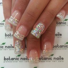 Zebra-ish French Tip, and Sparkly Ring Finger Nails New Year's Nails, Love Nails, Diy Nails, Hair And Nails, Nails For New Years, New Years Nail Art, French Nails Glitter, Fancy Nails, Glitter Nails