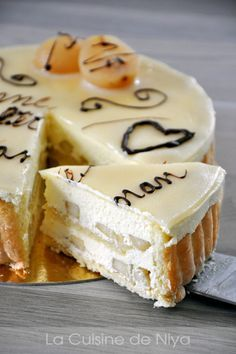 Continuing my previous recipe, we made a Charlotte with pears in TP . a classic dessert of the CAP Pear Recipes, Sweet Recipes, Cake Recipes, Dessert Recipes, Healthy Recipes, Charlotte Dessert, Charlotte Cake, Profiteroles, Köstliche Desserts