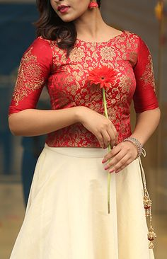 SULEKHA Long Skirt Top Designs, Dress Neck Designs, Blouse Designs, Full Skirt And Top, Kerala Engagement Dress, Indian Wedding Outfits, Indian Outfits, Wedding Dress, Party Wear Long Gowns