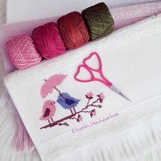 Cross Stitch Bird, Cross Stitch Flowers, Cross Stitch Embroidery, Hand Embroidery, Cross Stitch Patterns, Wedding Cross Stitch, Diy And Crafts, Towel, Pouch
