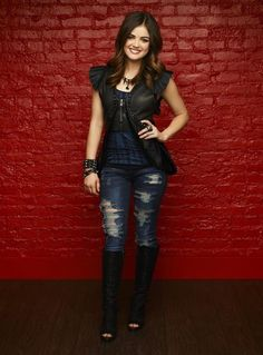 . Lucy hale LOVE THE OUTFIT =)