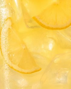 Close up photograph of an iced lemonade. #jennagang #foodphotography #foodstyling #food #tastyfoodideas #recipes #easyrecipes #easyfood #foodphotographystyling #foodphotographytips #foodphotographyideas #foodphotographybackgrounds #conceptualfood #conceptualfoodphotoshoot #photoshootideas Close Up Photography, Food Photography Styling, Color Photography, Food Styling, Fashion Photography, Macro Meals, Still Life Photographers, Stop Motion, Creative Food