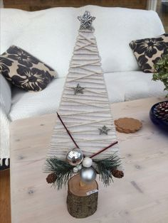 Christmas Craft Fair, Christmas Craft Projects, Christmas Ornament Crafts, Christmas Mood, Diy Christmas Ornaments, Rustic Christmas, Holiday Crafts, Xmas Decorations, Trees