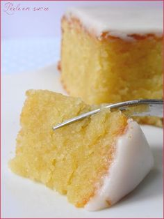 Almond or melted cake with almonds- L'amandier ou gâteau fondant aux amandes The almond or melting cake with almonds … - Sweet Recipes, Cake Recipes, Dessert Recipes, Food Cakes, Cupcake Cakes, Cake Fondant, Thermomix Desserts, Almond Cakes, Cake Cookies