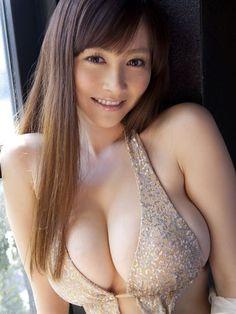 杉原杏璃のクビレの細さと反比例して大きい巨乳がやばすww【画像40枚】