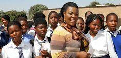 mujeres-mundi   Cómo mis dificultades como madre adolescente en África me inspiraron