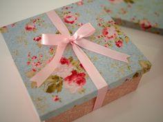 Meu convite especial das minhas madrinhas de casamento: caixa MDF forrada com tecido